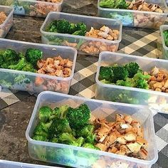 Are you prepped for the week ahead? Look at this healthy and nutritious chicken & broccoli Meal prep  - Credit: @nmcleoddd @mealprepdaily - Remember to share your fitness images with us by tagging us (@macrochef co) or using #macrochef.co - Check out our favourite account @my_macros  #transform #transformation #transformations #mealprep  #fitness #healthy #aesthetic #success #consistent #determination #goals #cardio #fit #life #motivation #inspiration #gym #fitfam #shred #fruit #health #abs…