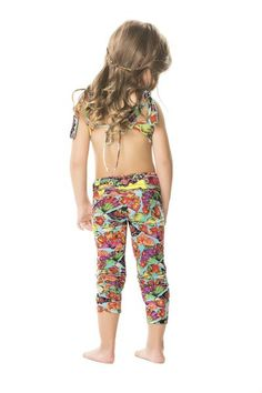 Agua Bendita's Peras Girl Pants are the perfect pair of leggings for your young fashionista! #designerkids #kidleggings #girlleggings