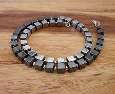 Würfelkette Silber Pyrit trifft Hämatit von MirakelSchmuck auf Etsy Vintage, Bracelets, Men, Jewelry, Fashion, Craft Gifts, Necklaces, Silver, Schmuck