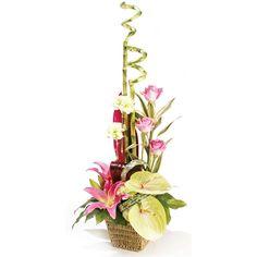 Vertical line mass floral design.      Flower arrangement