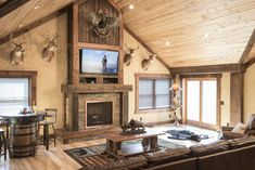 Rustic Log Furniture for Cabin & Lodge Decor White Wood Bedroom Furniture, Unique Wood Furniture, Rustic Wood Floors, Rustic Living Room Furniture, Kids Furniture, Rustic Cabin Decor, Lodge Decor, Log Homes, Log Bed