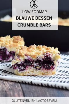 Delicious crumble bars with a fillling of blueberries. I bet you that these won't last long! The crumble bars are also gluten-free and lactose-free. Desserts Keto, Gluten Free Desserts, Dessert Recipes, Raw Recipes, Diet Recipes, Gluten Free Muffins, Fodmap Dessert Recipe, Fodmap Recipes, Fodmap Foods