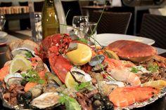 Plateau de fruits de mer au restaurant du camping le moustoir en bretagne à carnac