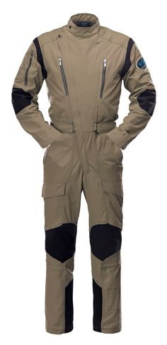 MEN - The Rotor flight suit, developed for and with the input of helicopter pilots, is a key item in the collection.
