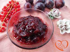 Marmellata susine e mele http://www.cuocaperpassione.it/ricetta/85221f4c-9f72-6375-b10c-ff0000780917/Marmellata_susine_e_mele