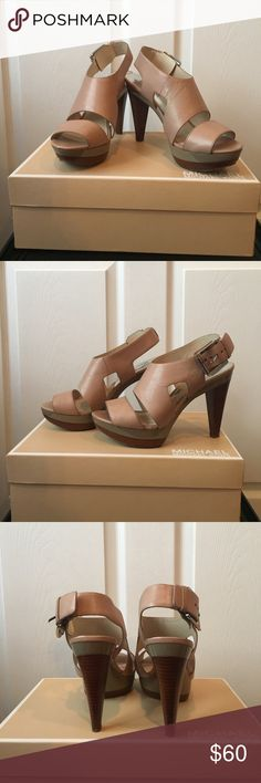 """Michael Kors Platform Heels These are a great and comfortable MK Heel. It is a 4"""" Heel and 1 1/2"""" platform. They are been worn only a few times and in great condition. Great with a dress or skinny jeans. MICHAEL Michael Kors Shoes Heels"""