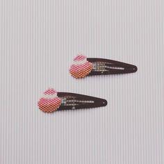 Hier c'est les petites barrettes modèle religieuse rose qui ont été exposer en boutique!!!! 🍰🍰🍩🍩💁🏻💁🏻 Lien de la boutique dans ma bio!!! 😊😊 #barettes#cheveux#hair#sweet#girl#fille#petitefille#rose#marron#pink#lesfillesdesmidinettes#shopping#perle#jenfiledesperlesetjassume#perlage#miyuki