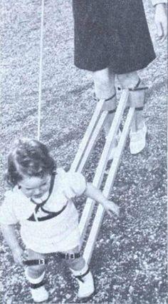 Nel 1939 questo strumento, era utilizzato in alcuni paesi per insegnare ai bambini a camminare.