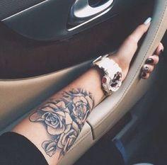 20 Gigantic Influences Of Forearm Tattoos For Girls Dope Tattoos, Unique Tattoos, Body Art Tattoos, Sleeve Tattoos, Rosen Tattoo Arm, Rose Tattoo On Arm, Arm Tattoos For Women Forearm, Cool Forearm Tattoos, Girl Flower Tattoos