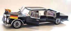 1966 Mercedes-Benz W100 600 Pullman Limo landaulet   Sunstar 2302 Scale 1/18