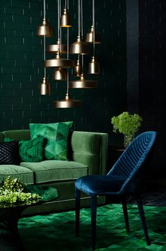grüne wand farbabstufungen ton in ton blau #interiordesign