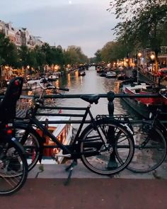 Top places in Amsterdam to take a great photos Europe Travel Destinations Honeymoon Backpack Backpacking Vacation Europe Tour En Amsterdam, Amsterdam Travel, Amsterdam Netherlands, Amsterdam Canals, The Netherlands, Visit Amsterdam, Amsterdam Photography, Travel Photography, Photography Ideas