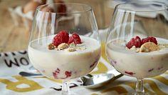 En lækker og virkelig nem dessert - sæt eventuelt glassene i fryseren i 20 inden servering, så de er iskolde.