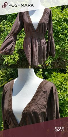 Brown boho top Ties in back. Deep v neck with lace detail. Bell sleeves. Size 2x Tops