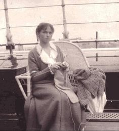 Grand Duchess Olga knitting on board the imperial yacht Standart c. by historyofromanovs Olga Romanov, Romanov Sisters, Grand Duchess Olga, Alexandra Feodorovna, Russian Literature, Tsar Nicholas Ii, Imperial Russia, Red Cross, Vintage Photographs