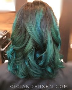 Emerald green balayage D ombré hair by Cici Andersen at Crowning Glory in Burbank California. Used Pravana green, Joico Peacock Green and Sparks Green paste to achieve.