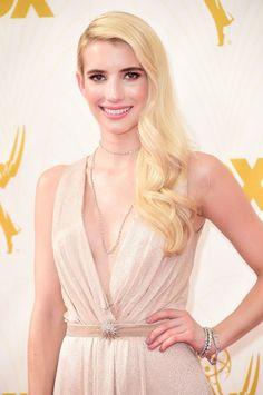 Pin for Later: De Nombreuses Stars se Sont Retrouvé Sur le Tapis Rouge des Emmy Awards Emma Roberts