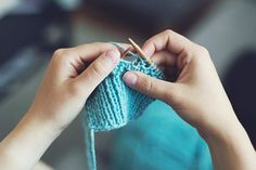 6 Easy Knitting Projects for Kids and Beginners : 6 Easy Knitting Projects for . 6 Easy Knitting Projects for Kids and Beginners : 6 Easy Knitting Projects for … 6 Easy Knittin Beginner Knitting Projects, Sewing Projects For Kids, Knitting For Beginners, Knitted Owl, Knitted Teddy Bear, Knitted Bags, Knitting Stitches, Free Knitting, Kids Knitting