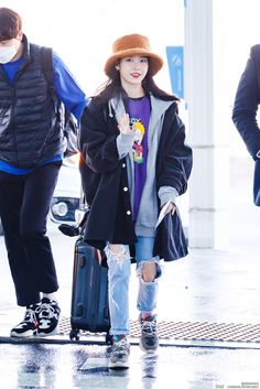 Fashion Idol, Blackpink Fashion, Daily Fashion, Korean Fashion, Womens Fashion, Airport Fashion Kpop, Korean Actresses, Airport Style, Kpop Girls