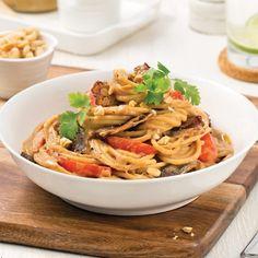 Pâtes au bœuf et arachides Mets, New Recipes, Gnocchi, Main Dishes, Food Porn, Macaroni, Cooking, Ethnic Recipes, Discovery