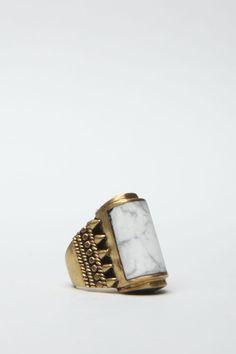 A Peace Treaty Yabaana Ring (Agate Quarts & Gold)