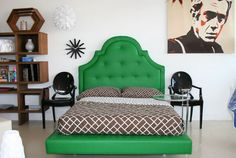 Super dig the headboard, and super dislike the sheets with it.