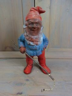 humans just get a brown nose when they act a certain way. gnomes, being much smaller and having a predilection for tunneling, get a brown face and beard too!