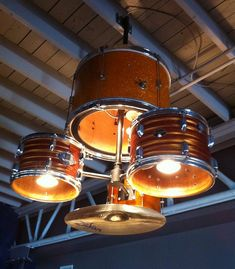 Musical makeover: Drum kit turned into a dashing chandelier - HomeCrux Diy Drums, Dutch House, Diy Chandelier, Beach House Decor, Home Decor, Drum Kits, Recycled Furniture, Light Fixtures, Musicals