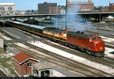 http://www.railpictures.net/images/d1/5/8/1/6581.1144530000.jpg