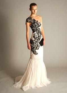 Una original combinación de blanco y negro para novias poco convencionales. El vestido es de Marchesa de la colección de primavera 2012