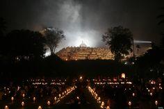 Lanterns are illuminated for the Buddhist meditation on Borobudur Temple on Vesak Day at the Borobudur Mahayana Buddhist monument on May 9, 2009. (Magelang Central Java, Indonesia)