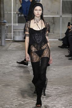 Givenchy Fall/Winter 2014-2015 Fashion Show