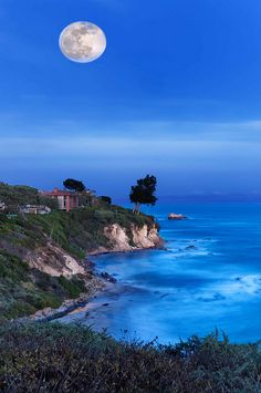Moonrise over Corona Del Mar, Newport Beach, California
