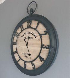 Oryginalny zegar ścienny, styl rustykalny . Clock, Home Decor, Home Decoration, Watch, Decoration Home, Room Decor, Clocks, Home Interior Design, Interior Design