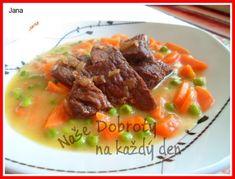 Na másle orestujeme cibuli. Přidáme na kolečka, nebo na půlkolečka nakrájenou mrkev a také trochu orestujeme. Podlijeme troškou vody, osolíme, opepříme a dusíme. .... Thai Red Curry, Beef, Ethnic Recipes, Food, Meat, Essen, Meals, Yemek, Eten