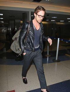 Ryan Gosling, traveling stylish