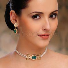 Simple emeralds, pearls