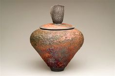 Lidded Vessel by Shu Chen Cheng
