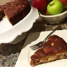 Yummy cinnamon apple cake!!! Love the flavour of the apples, cinnamon and mix of walnut and pecan chunks! Hit the spot! Next I want to fulfill my pumpkin pie craving!!! Lol ----------------------------------------------------#cucinamiawb #Gastropost #cinnamon #apple #fresh #jkgourmet #almondflour @bobsredmill #coconutflour #grainfree #refinedsugarfree #honey #organic #naturalsweetner #foodie #youonthechew #glutenfree #mele #senzaglutine #cake #torta #baked #dessert #healthy #healthyrecipes…