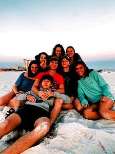 Photos Bff, Friend Photos, Bff Pics, Group Photos, Fotografia Retro, Best Friend Fotos, Shotting Photo, Cute Friend Pictures, Summer Goals