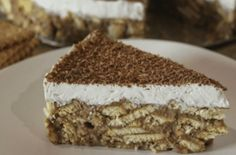 I haven't words to describe this cake!So easy and so delicious! Candy Recipes, Sweet Recipes, Cookie Recipes, Dessert Recipes, Greek Desserts, Easy Desserts, Delicious Desserts, Biscuit Pudding, Pudding Cake