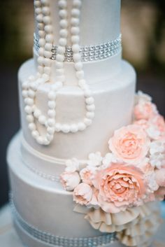 Pearls and rhinestones by Cake & Co.