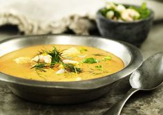Lättlagad soppa på fisk och skaldjur   World of Wine Thai Red Curry, Smoothies, Milkshakes, Mat, Canning, Ethnic Recipes, Soups, Nature, Smoothie