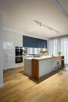 5 5110 Alpine Mist™ - Freedom Kitchens on The Block 2016 Kitchen Pantry Design, Best Kitchen Designs, Kitchen Layout, Home Decor Kitchen, Home Kitchens, Modern Kitchen Interiors, Modern Kitchen Design, Interior Design Kitchen, Modern Kitchen Island