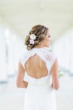 beautiful keyhole back | Brooke Images #wedding