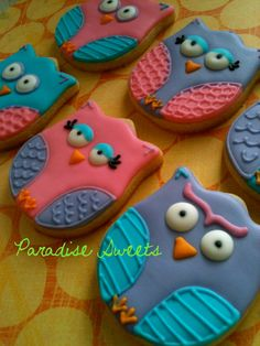 Owl Sugar Cookies. This looks like a tulip cutter. I can do this.