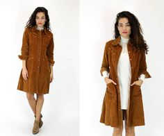 Original vintage 1970s Landlubber corduroy shirtdress is a.w.e.s.o.m.e.! Fitted long sleeve flared hem dress has signed snaps down the front, 4 patch