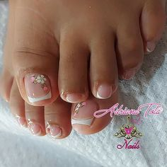 Pretty Toe Nails, Pretty Toes, French Tip Nails, White Nails, Manicure, Nail Designs, Lily, Nail Art, Beauty