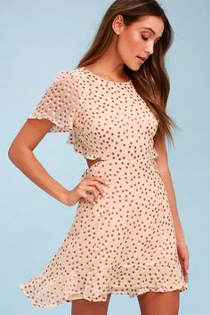 Be the talk of the garden party in the ASTR the Label Elsie Cream Polka Dot Backless Dress! A rounded neckline and fluttering short sleeves top a darted bodice made from sheer cream and washed burgundy polka dot print woven fabric over a woven lining. Free shipping and returns!