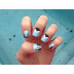 mint candy apple essie polish triangle ombré glitter nails(: